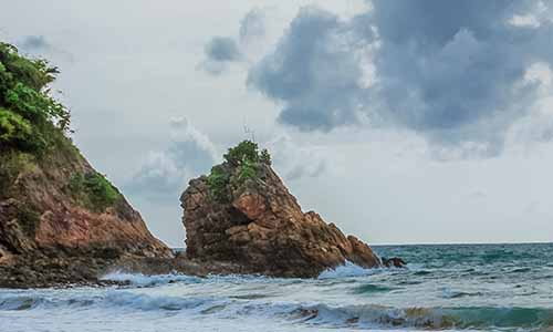 banana rock beach phuket