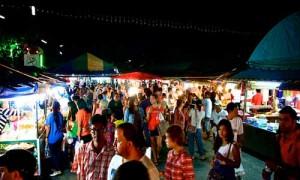 shopping phuket town 01 Naka Weekend Market